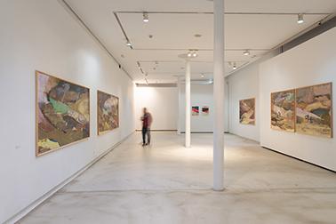 Maki Na Kamura, Einzelausstellung: Horizonte, arco iris y horizonte Bilbao Arte Bilbao, Februar 2015, Foto: Jon Bilbao